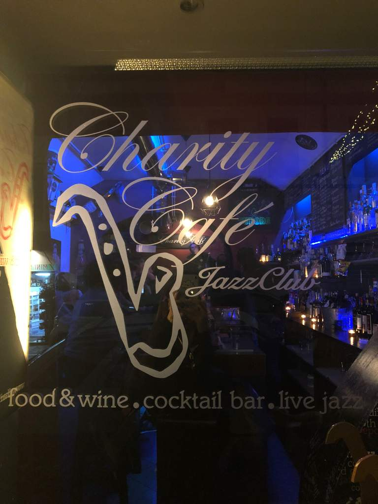 Happy Hour & After-dinner Wine Bar Charity Cafe - Jazz Club Pigna