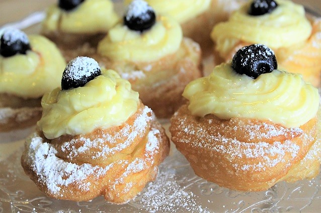 , 10 TRADITIONAL SWEETS OF THE ITALIAN CARNIVAL